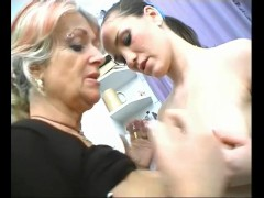 Mature Cougar Seduces Young Brunette Babe - Julia Reaves