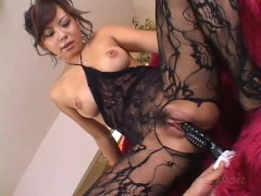 Busty Babe Huge Squirt - Amorz