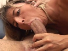 Blonde babe tries out her sucking and fucking skills on a hard cock - Telsev