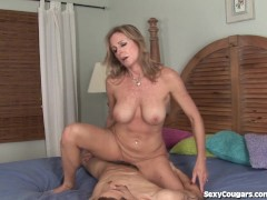 - Hot Blonde MILF Gets C...
