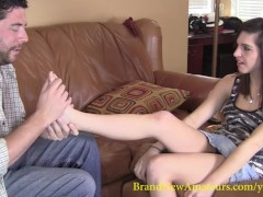 BrandNewAmateurs Roxanne seduced by Toe-sucking