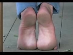 Barefoot video