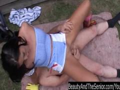 Brunette teen cutie suck an old cock outdoors