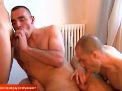 2 guys for 1 big cock! Battle of  huge cocks!