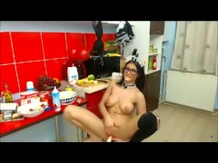 Erotic show from the housemaid