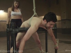 Muscled Dominatrix Wrestles Slaveboy