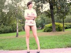 Jeny Smith walking the streets bottomless