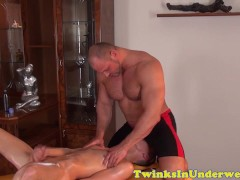 Twink jerking off after rubbed down by bear