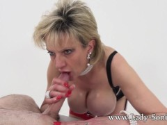 - Lady Sonia jerks off a...