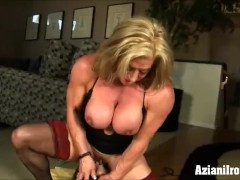 Fitness models Dildo Vs Sybian who does it better