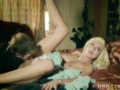 Queen Of Thrones: Part 1 (A XXX Parody) - Brazzers