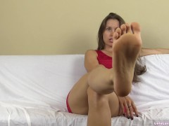 Worship my dirty smelly pantyhose feet in this femdom humiliation