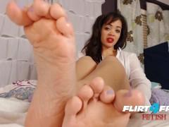 Flirt4Free Fetish Model Brooke Foxx - Sexy Ebony Babe Has a Latex and Foot Fetish