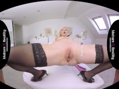 MatureReality - Milf loves teasing Ass and Pussy