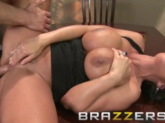 Brazzers - Busty milf  Lisa Ann wants some fucking for dessert