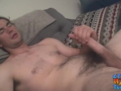 Straight dude works on that cock and makes it cum
