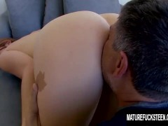 Hot ass Jodi Taylor gets fucked by an older guy