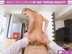 VRBangers Sexy Teen Housekeeper Fucks for Money