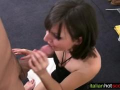 bellissima ragazza italiana di 18 anni prima volta hard con Rambetto Stefanin