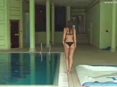 Tiffany Tatum super hot pool action