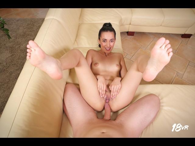 Film Porno Pentru Ochelari Vr In Care O Bruneta Vrea Sa Te Futa Maxim