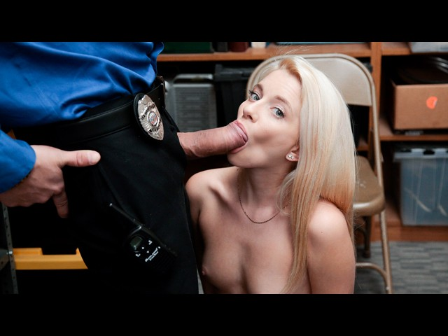 image Shoplyfter lp officer takes advantage of grandma and grand
