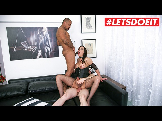Letsdoeit - Tranny Queen Babe Fucked Hard by Two Studs