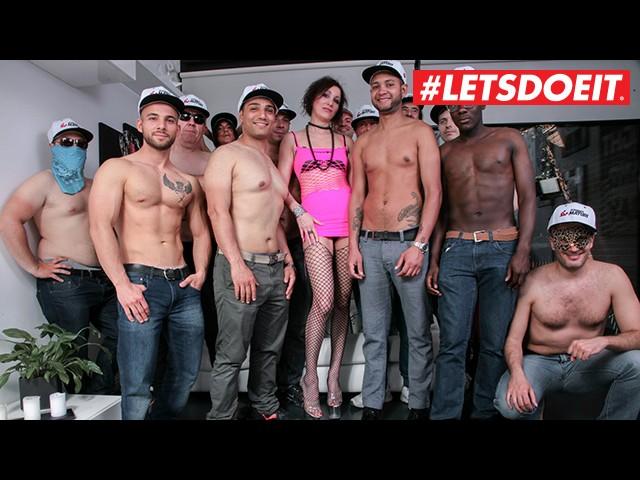 Letsdoeit - Italian Sexy Mom Gets Cummed on by Three Amateur Guys