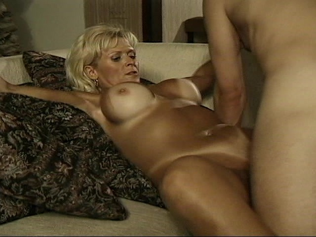 Mature Wife Pampers Her Young Husband - Free Porn Videos -2787