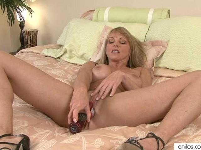 Sexy close up anal masterbation pics-9493