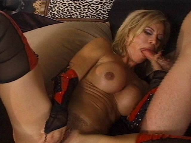 What Sexy Old Cougar will make cum like