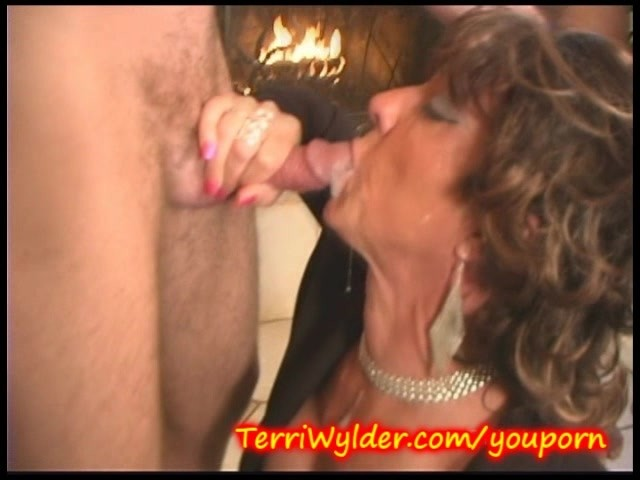 Old woman swallow dukke the philanthropist 1
