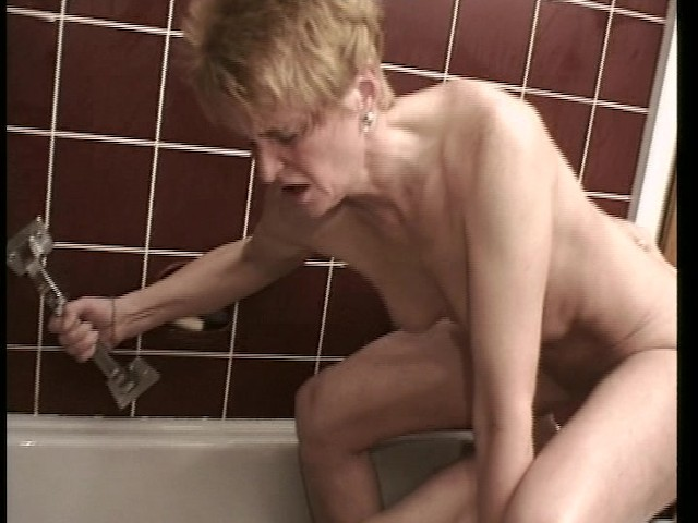 I Saw Grandpa Fucking Grandma In The Shower - Free Porn -1789