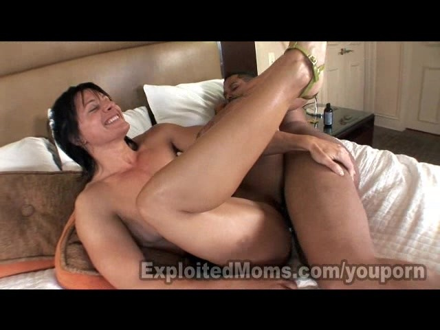 Big dick bitch creampie vid