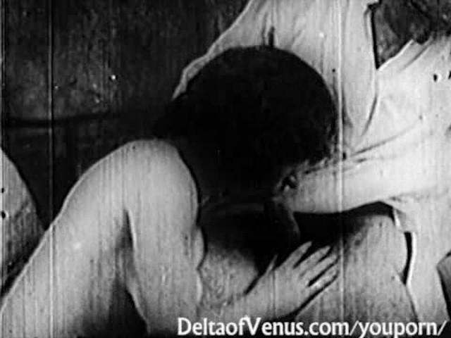 Folles de masturbation 9 en trio - 3 part 10