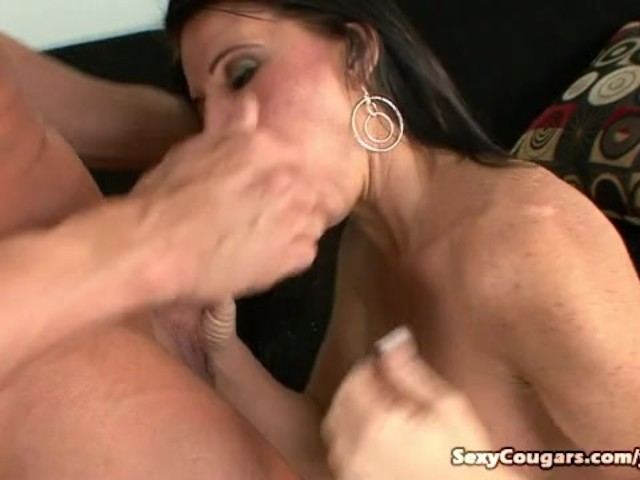 Milf gets titty fucked