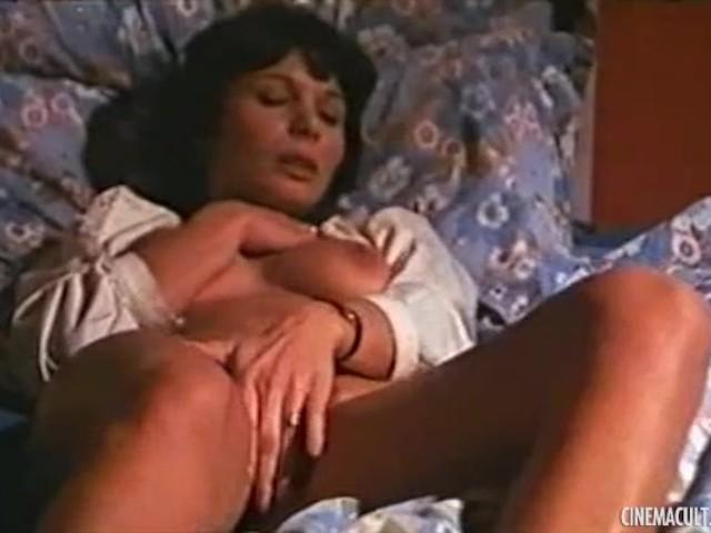 Zaira zoccheddu nude from noi e l039amore 10