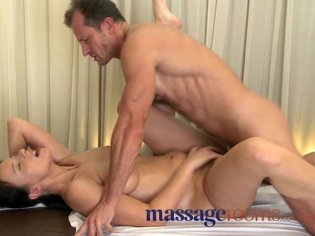 Massage Rooms Mature Woman With Hairy Pussy Given Orgasm -2883