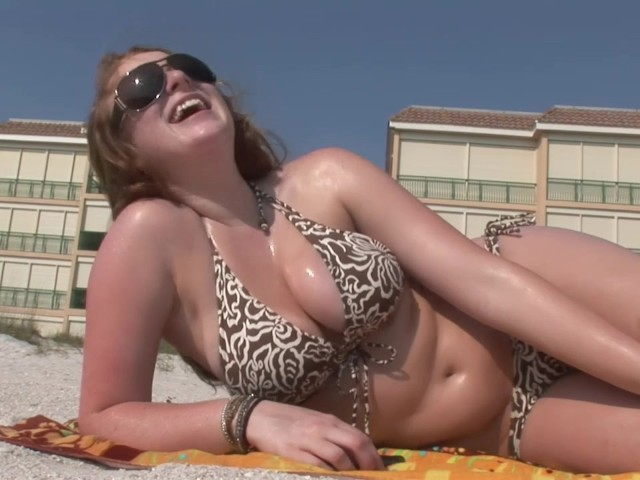 Brunette With Big Tits on the Beach - Dreamgirls - Free Porn Videos -  YouPorn