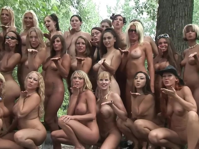 Group Nude Babes