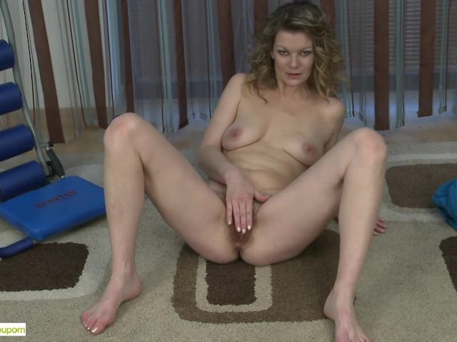 Movies free mature pussy Sexy Mature