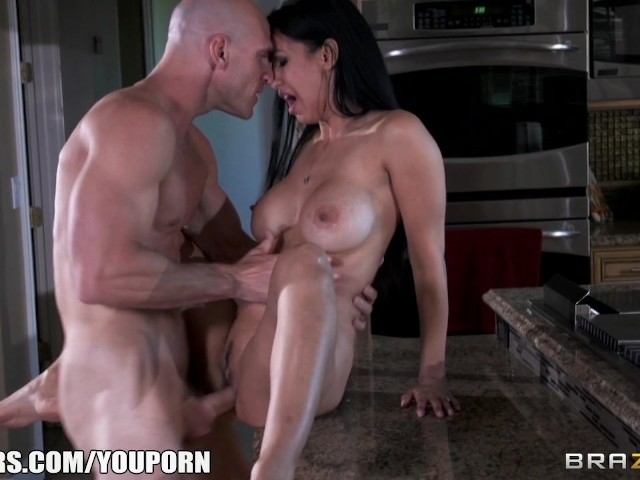 Army Wife Isis Love Gives Her Husband A Welcome Fuck -1405
