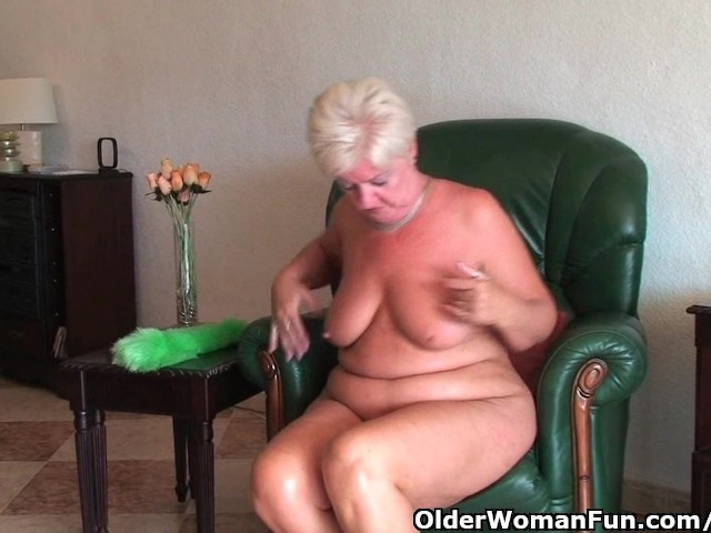 Chubby Granny With Saggy Big Tits And Plump Ass -7983