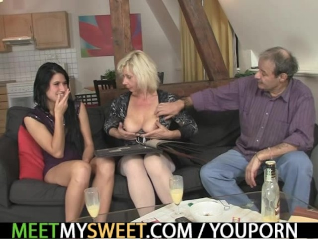 Girlfriend And His Family Having Sex - Free Porn Videos -1182