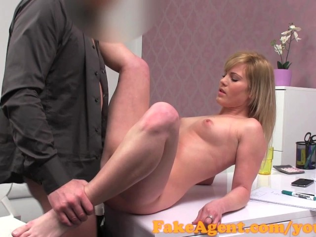 Blonde amateur casting motel