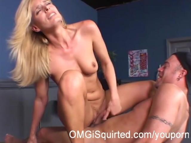 Darryl Hanah elsker at suge på det - Gratis porno videoer - Youporn-9996