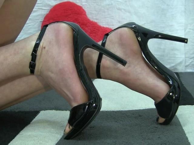 free shoe fetish videos
