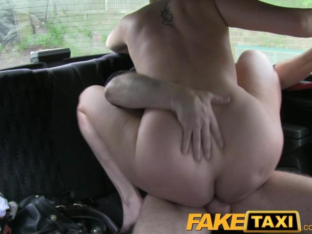 Порнушка с наташей снятая в машине