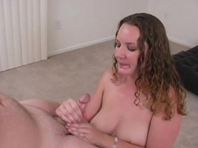 Holly Gives Me A Jolly Good Blowjob - Amateur District - Free Porn Videos - Youporn-9065