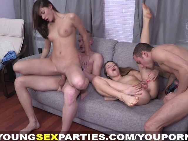 swinger-party-foursome-fuck-ass-and